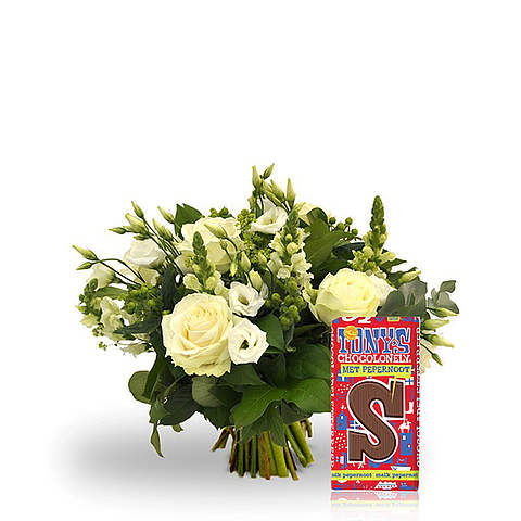 Exclusive white bouquet with chocolate