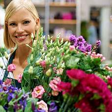 Flowerarrangement florist choice