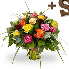 Mixed roses with chocolate